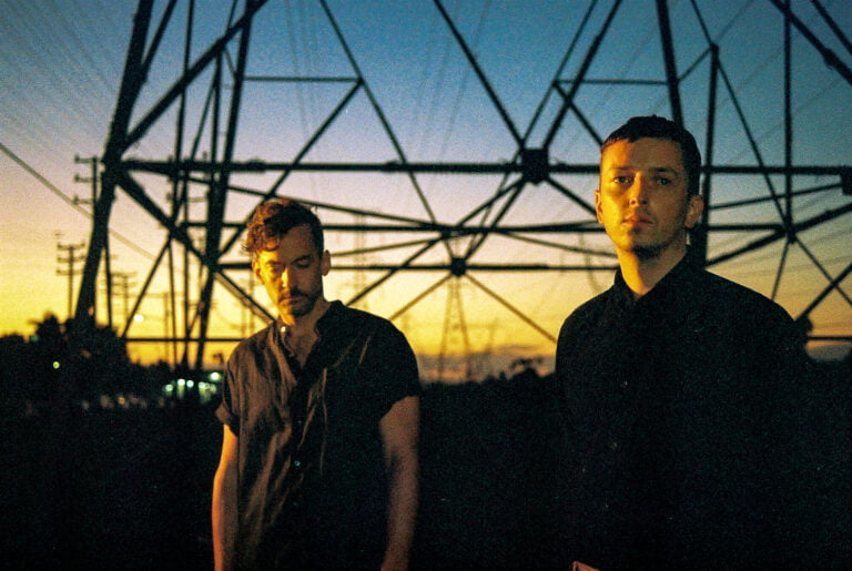 Bonobo & Totally Enormous Extinct Dinosaurs colaboran en nuevo single